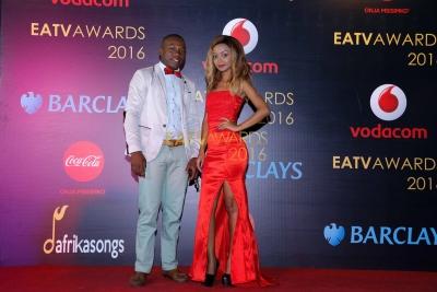 Mdau kwenye Red Carpet na mtangazaji wa EATV Vanilla